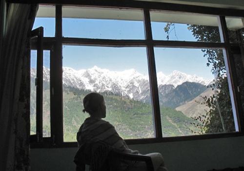 Это не фото-обои, а вид из нашего окна!