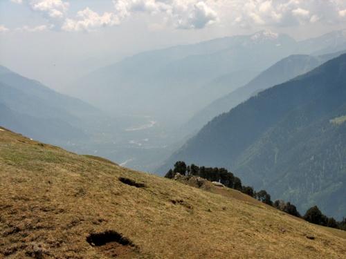 Долина Куллу в дымке