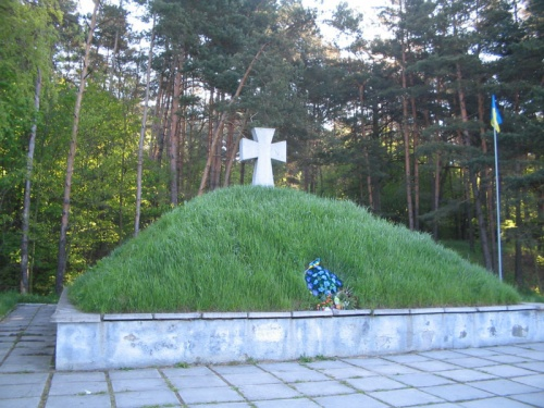 ...памятник солдатам УПА.