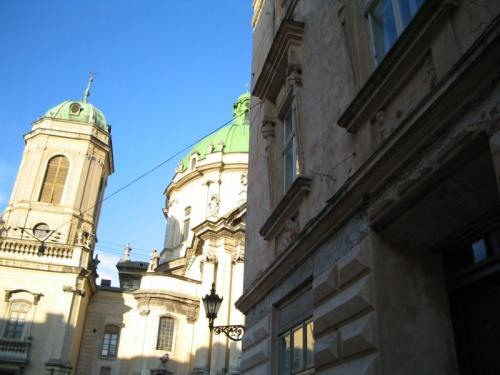 Монастырь доминиканцев и дом терпимости. Рядышком.