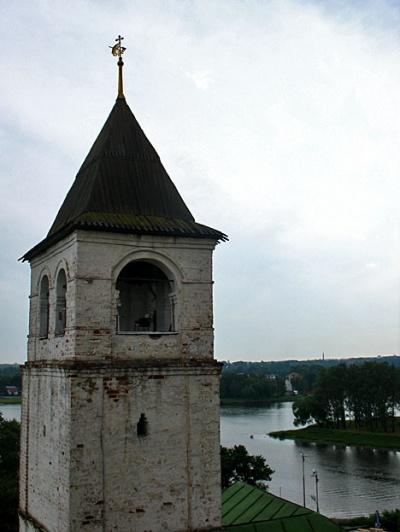 Вид с колокольни на реку Которосль