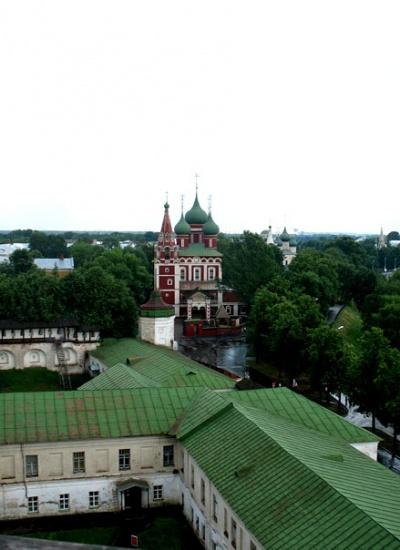 Вид с монастырской колокольни. Ярославль