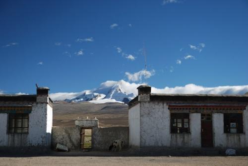 последняя деревня перед Peiku tso, около 5-7 км от озера