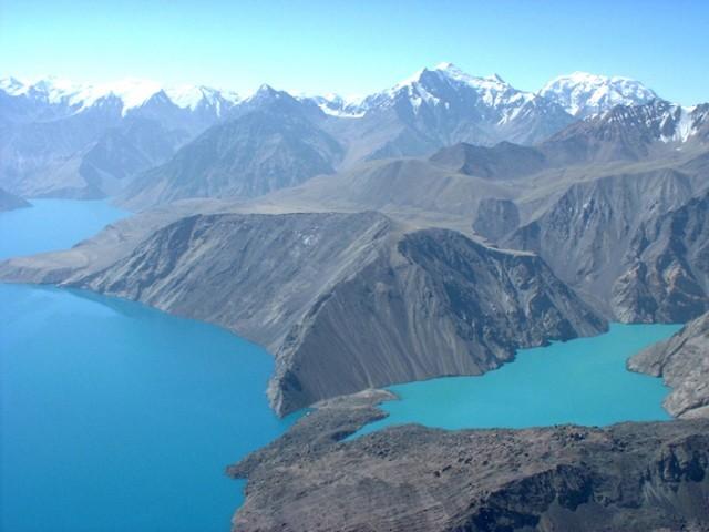 Озеро заполнило долину Бартанга