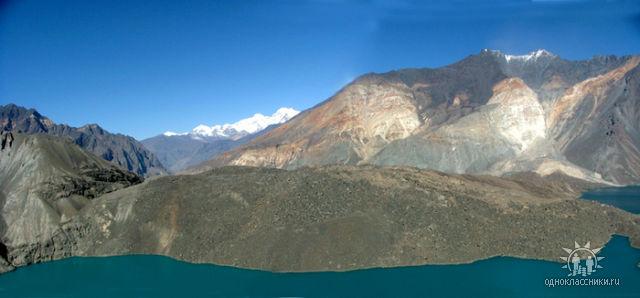 Общий вид Усойского Завала. Вот так образуются горные озёра.