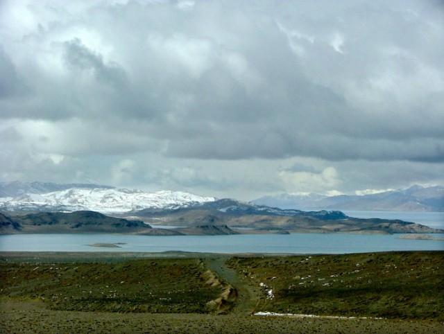 Северная часть озера Каракуль с островом по середине