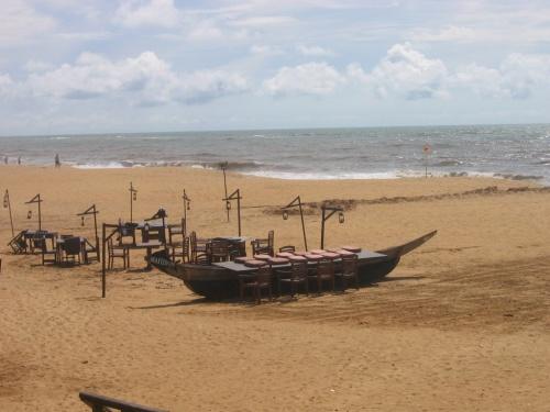 Отель Mount Lavinia. Пляж.