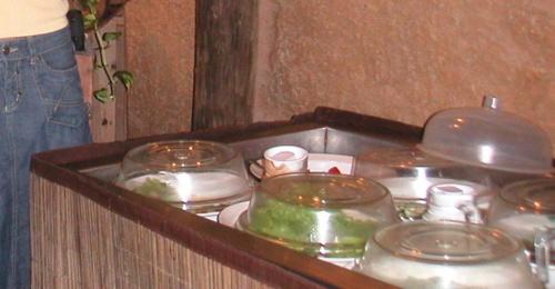 Отель Mount Lavinia. Рыбный ресторан.Салаты на выбор. Можно брать сколько захочешь, если оплатил.