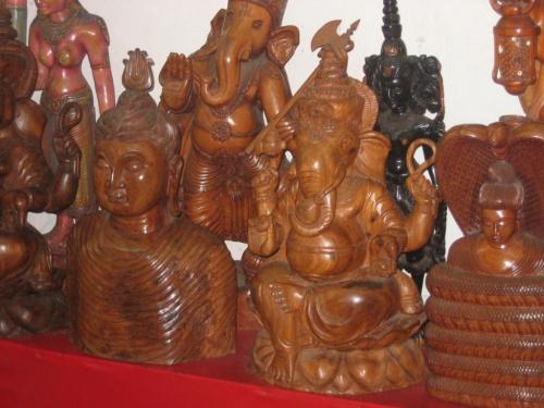 Шри-Ланка. Изделия местных мастеров.