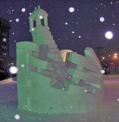 Джантар-Мантар из снега в Салехарде