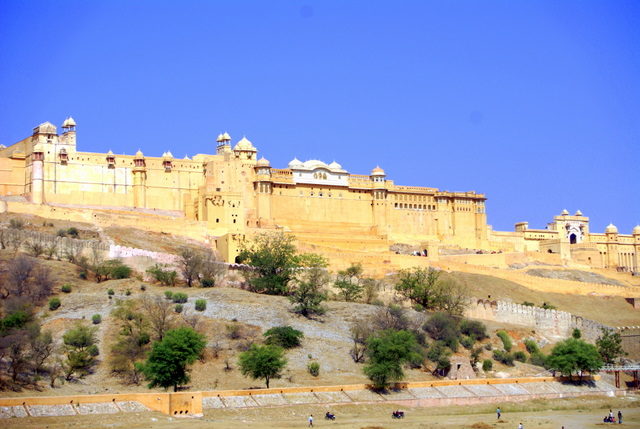 Величественная крепость-дворец Форт Амбер
