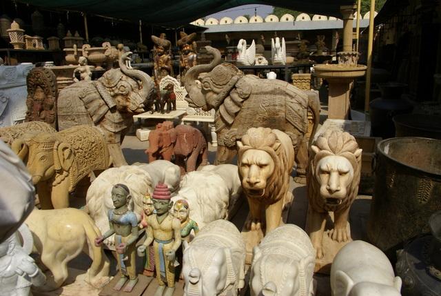 В магазине-музее колониальной культуры можно купить любой сувенир