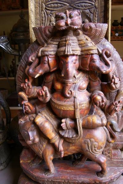 Слоновоголовый бог Ганеша приносит счастье и удачу
