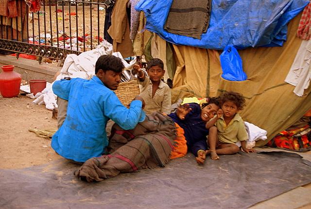"""Неприкасаемых теперь называют далитами, что означает """"попираемый ногами"""". От этого их жизнь не стала счастливее"""