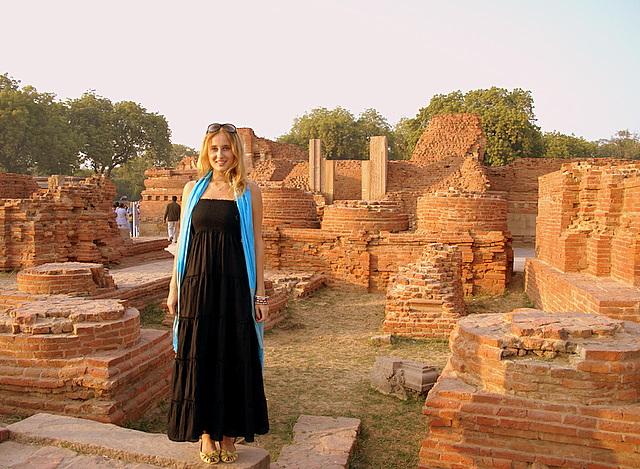 Во времена моголов храмы были разрушены