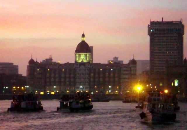 Вечерний пейзаж в Мумбаи