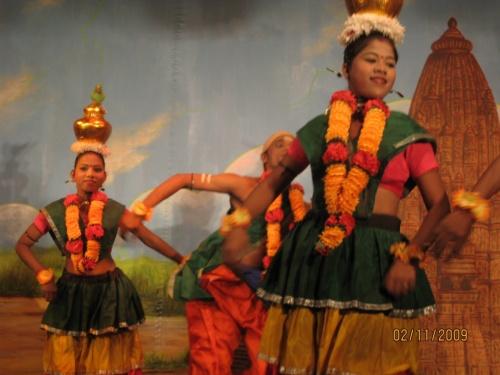 Танцевальное шоу в Каджурахо