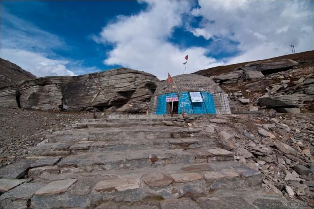 Храм на Ротанге