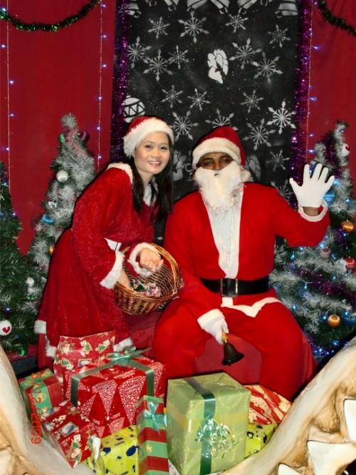 Санта Клаус и Снегурочка