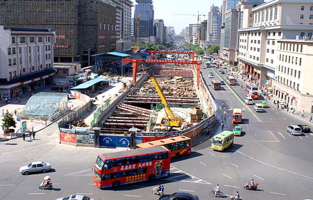 Без метро 10-миллионный город задыхается