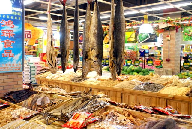 В магазинах и кафе обилие морепродуктов