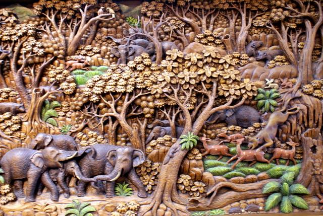 Шедевры из тикового дерева