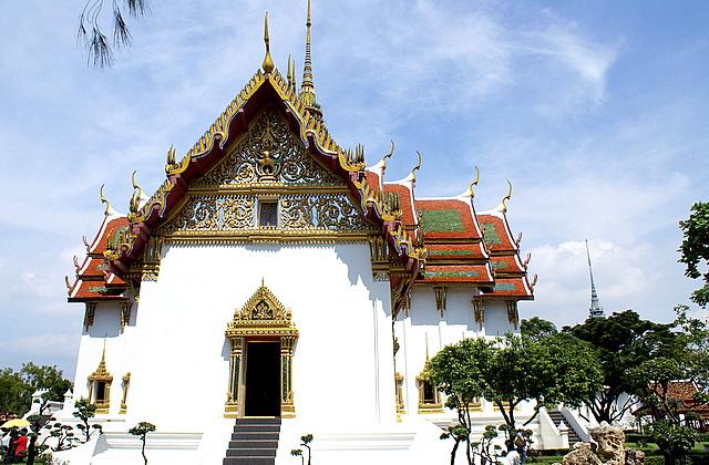 Буддийский Бот – самое важное строение в храме