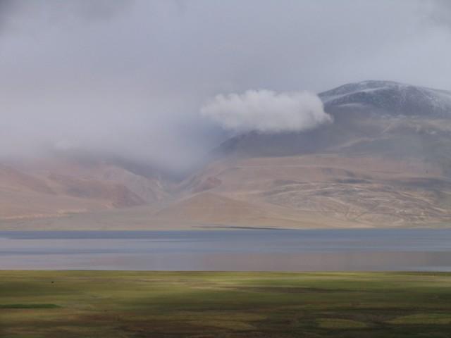 Облака формируются у вас на глазах. Озеро на высоте 4500м.