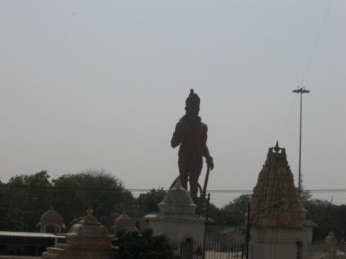 Чатарпур, большой Хануман
