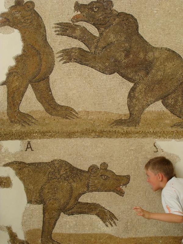 Музей мозаики Бардо. Мальчик в нижнем правом углу - не мозаика :)))