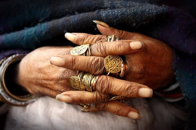 """из серии """"Руки"""" (Непал)"""