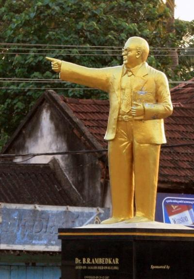 Это-не дедушка Ленин! А как похож...