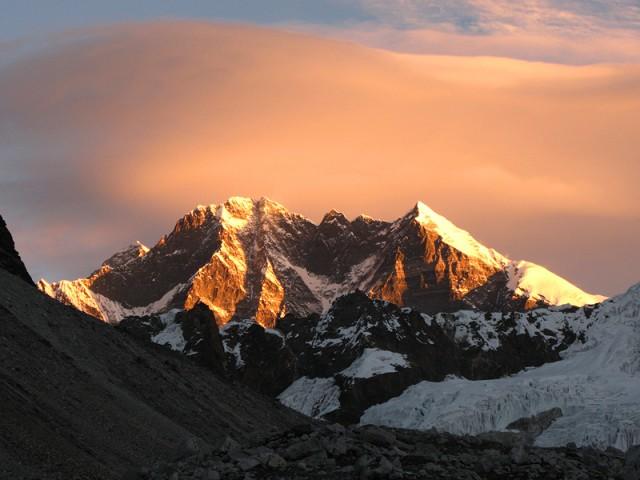 Эверест и Лходзе с оз.Хонку Покхари