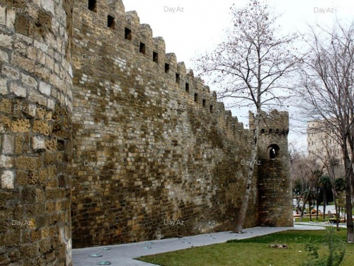 Эти стены старого форта...