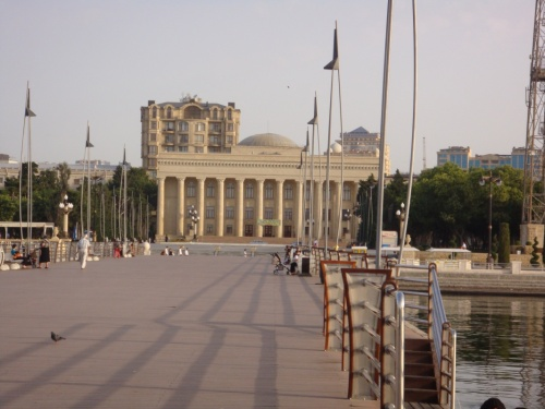 бывший музей имени Ленина, нынче ковровый музей