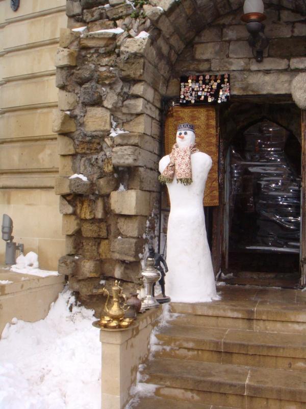 Национальный снеговик)))