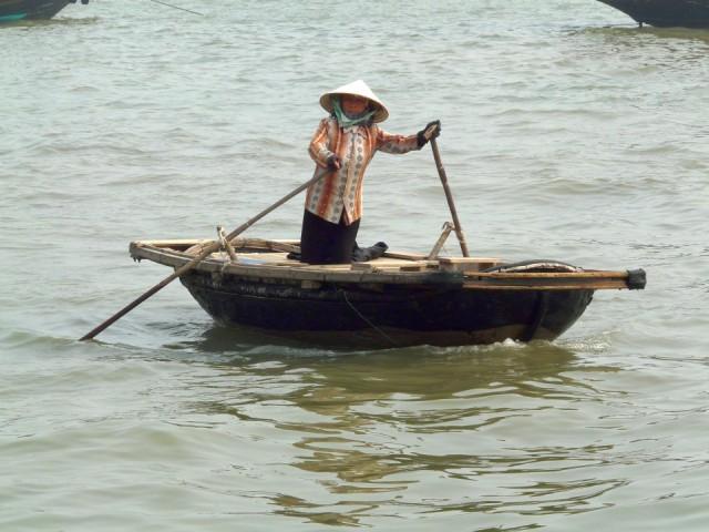Чтобы не оказаться на полуразвалившемся корыте - внимательно подойдите к выбору лодки.