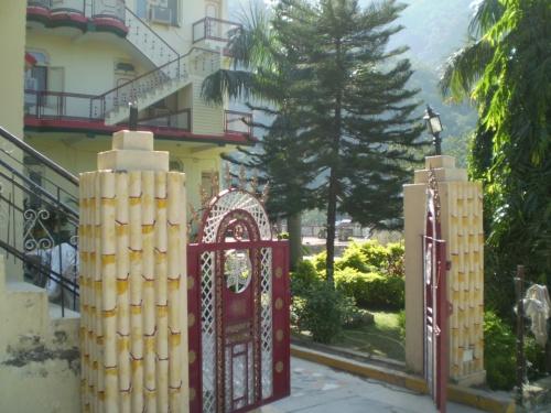 Вход в ворота