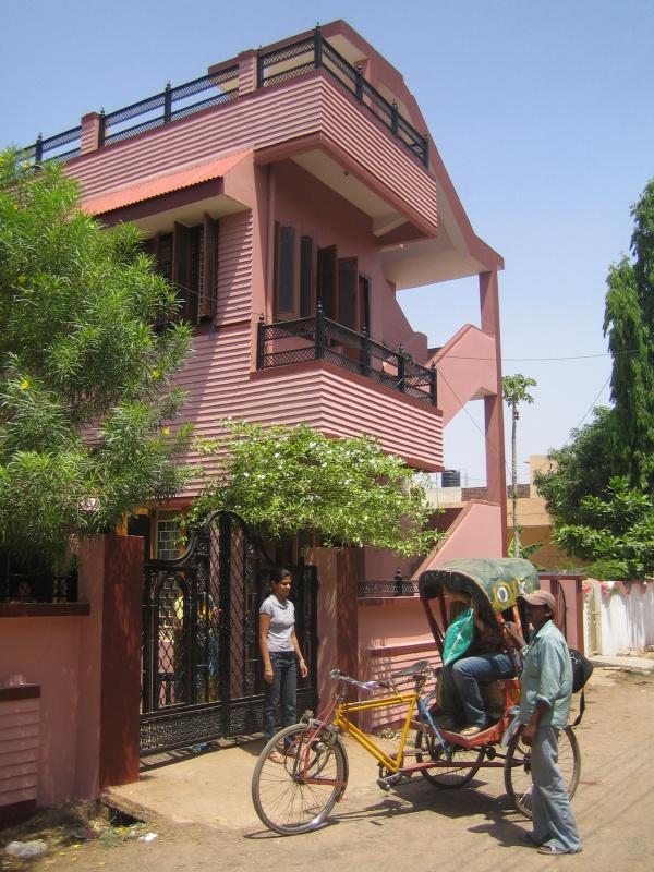 дом наших друзей в Сатне