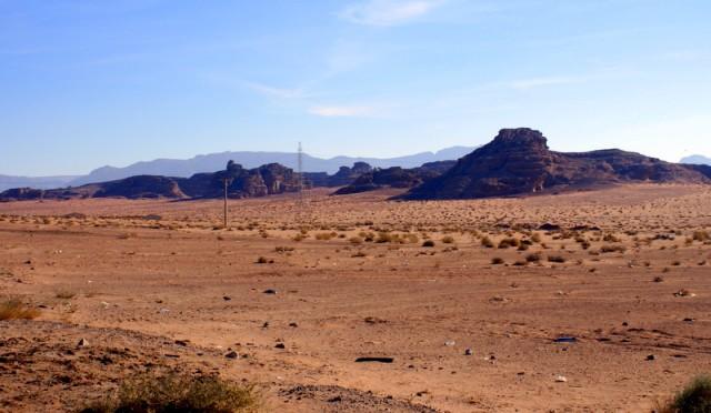 Безлюдная пустыня