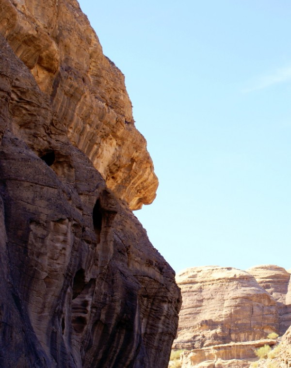 Зик – узкий проход между нависающими скалами