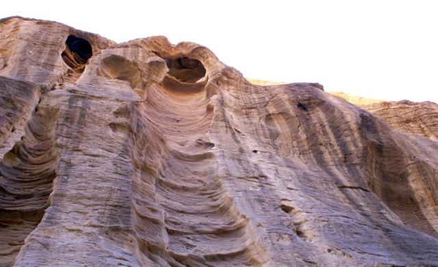 Причудливые глыбы нубийского песчаника