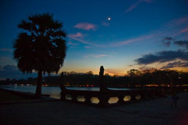 Вход в центральный храм Ангкора
