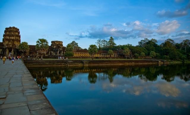Небо над храмами Ангкора