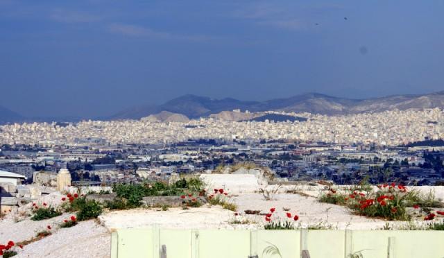 Афины окружены с трех сторон горами