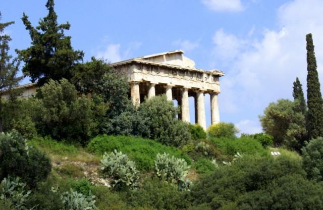 Храм посвящен кузнецу Гефесту, покровителю ремесел