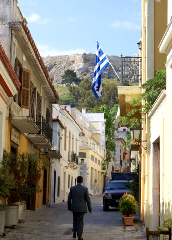 Тихая улочка Плаки – старейшего жилого квартала Афин