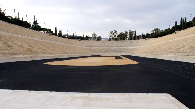 Афинский стадион вмещает 60 тыс.человек