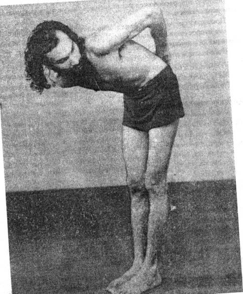 Шат-карма Дыхательное упражнение:После джала-нети, чтобы удалить воду из носа.