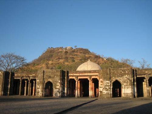 Открытая мечеть в крепости